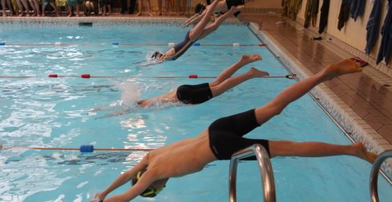 Sponsored Swim for School Readers